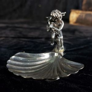 Beautiful silver  cherub baby dish!